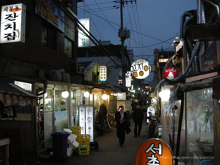Place to visit near Gyeongbokgung Palace – Sejong Village Food Culture Street
