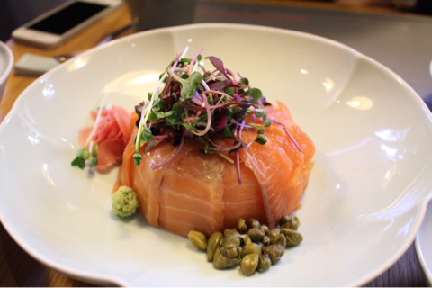 Delicious Salmon Ricebowl in Seoul at Sabal!