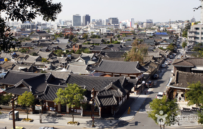The city filled with the beauty of Korean tradition- Jeonju (전주)