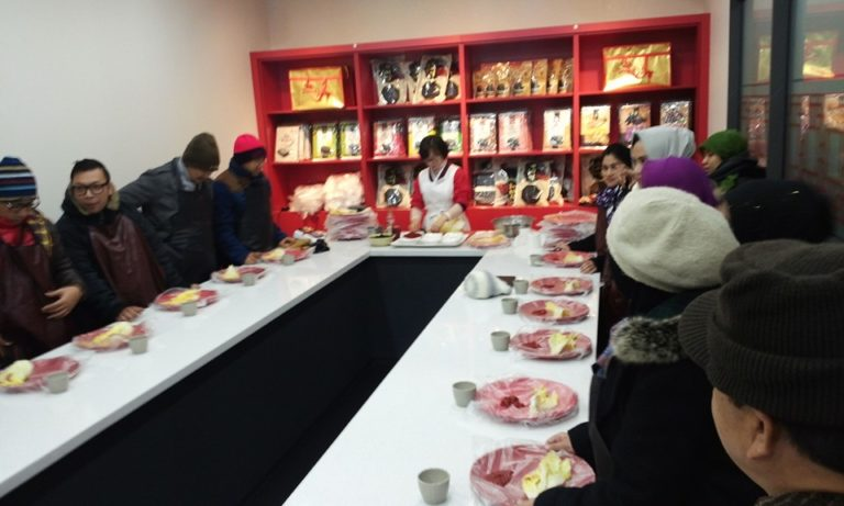 Would you like to try make Korean traditional food Kimchi by yourself??