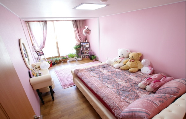 [Accommodation Highlight]  Room neat and clean apartment
