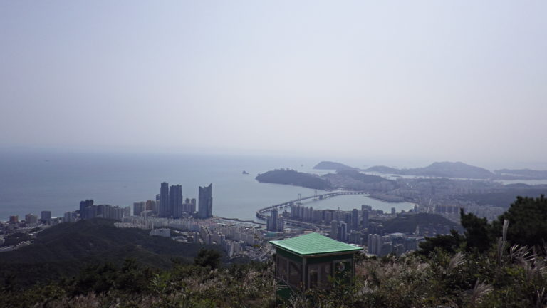 Spot Hiking yang Bersahabat di Busan (Friendly Hiking Spot in Busan)