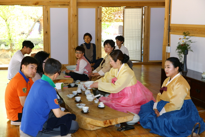 2016 Mungyeong Traditional Chasabal Festival is coming soon!