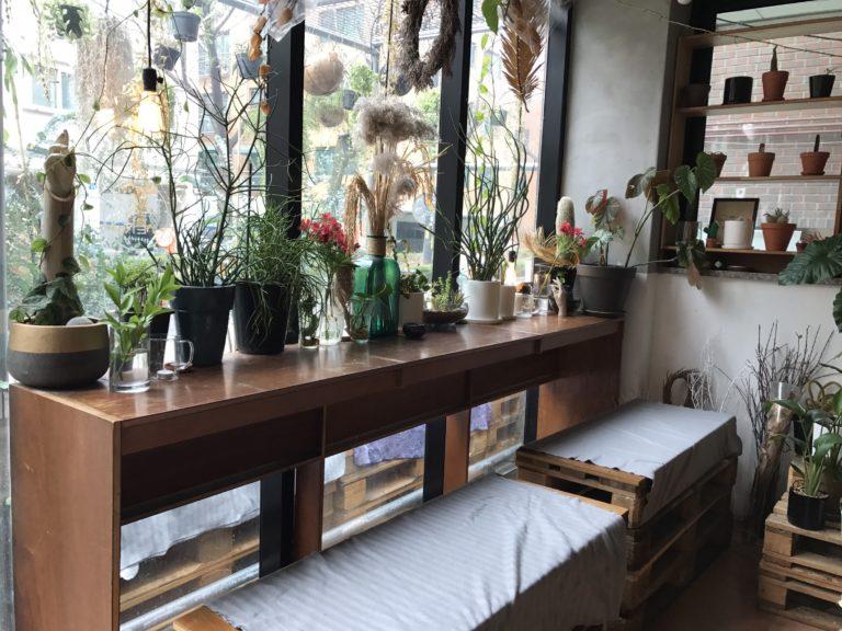 Ver's Garden, a beautiful floral cafe near Hongdae